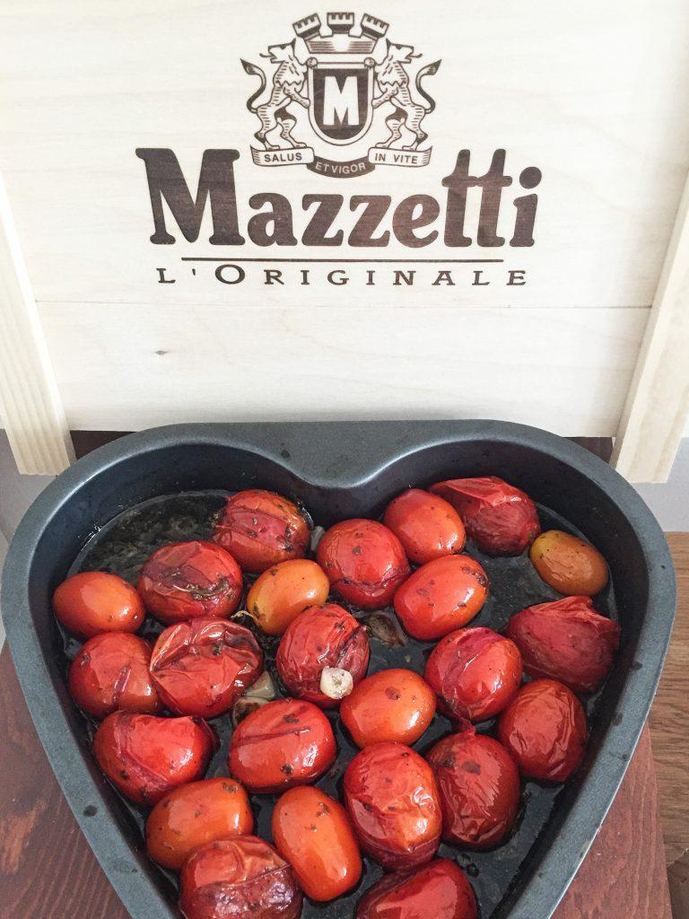 Himmlisch italienisch !! Eingelegte Tomaten in Balsamico und Knoblauch Vinaigrette.