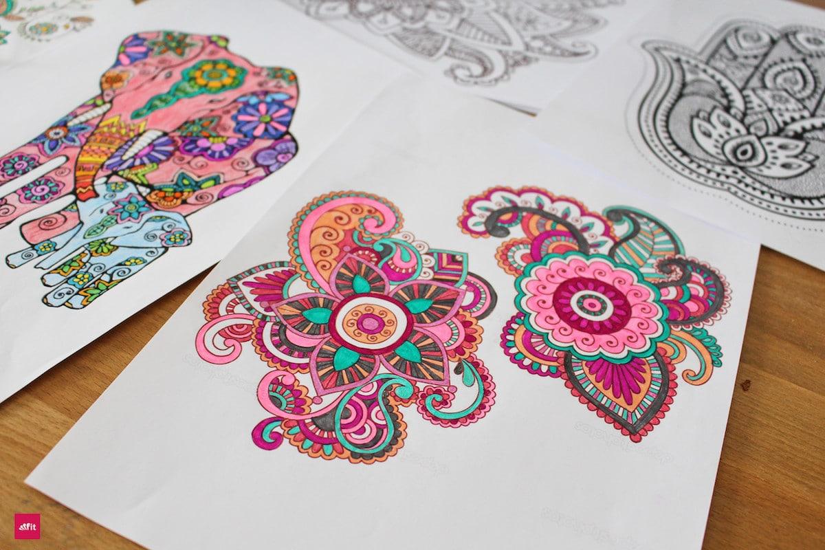 Mandala malen für Erwachsene #MANDALA #MALEN #KINDER #ENTSAPANNUNG Mandala malen für Erwachsene als Entspannung (Anleitung, Video und DIY)Das Beste, was es für die Seele gibt, um ruhig zu werden, zu entspannen. Stress abbauen und dabei den Kopf freizumachen. Mandala malen ist gut für Erwachsene, für Kinder, aber besonders auch für Senioren. Die Anleitung und auch Mandala DIY Videos zum selber Mandala erstellen findest du in diesem ausführlichen Blogpost.