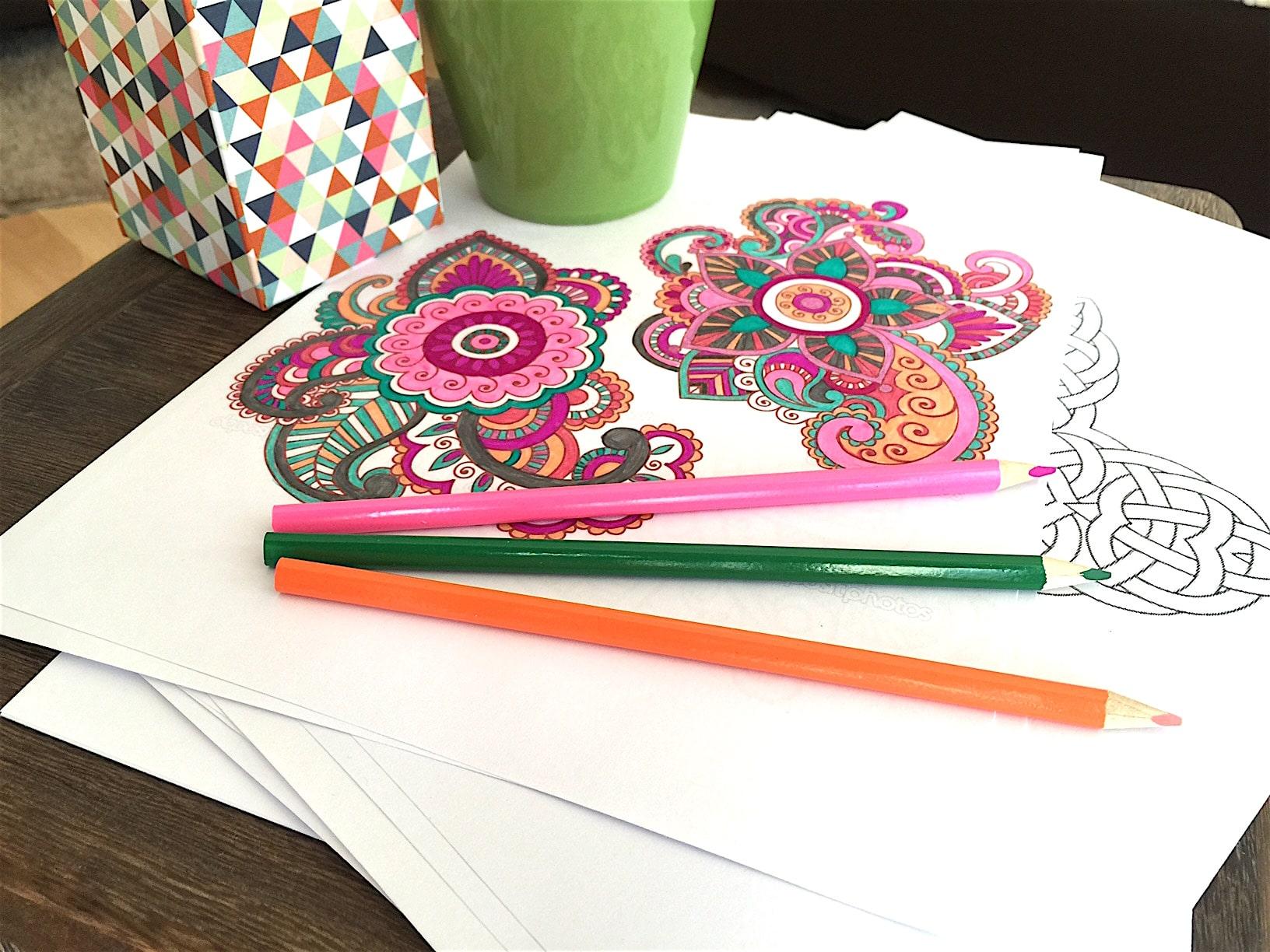 ENTSPANNUNG Mandala malen für Erwachsene #MANDALA #MALEN #KINDER #ENTSAPANNUNG Mandala malen für Erwachsene als Entspannung (Anleitung, Video und DIY)Das Beste, was es für die Seele gibt, um ruhig zu werden, zu entspannen. Stress abbauen und dabei den Kopf freizumachen. Mandala malen ist gut für Erwachsene, für Kinder, aber besonders auch für Senioren. Die Anleitung und auch Mandala DIY Videos zum selber Mandala erstellen findest du in diesem ausführlichen Blogpost.