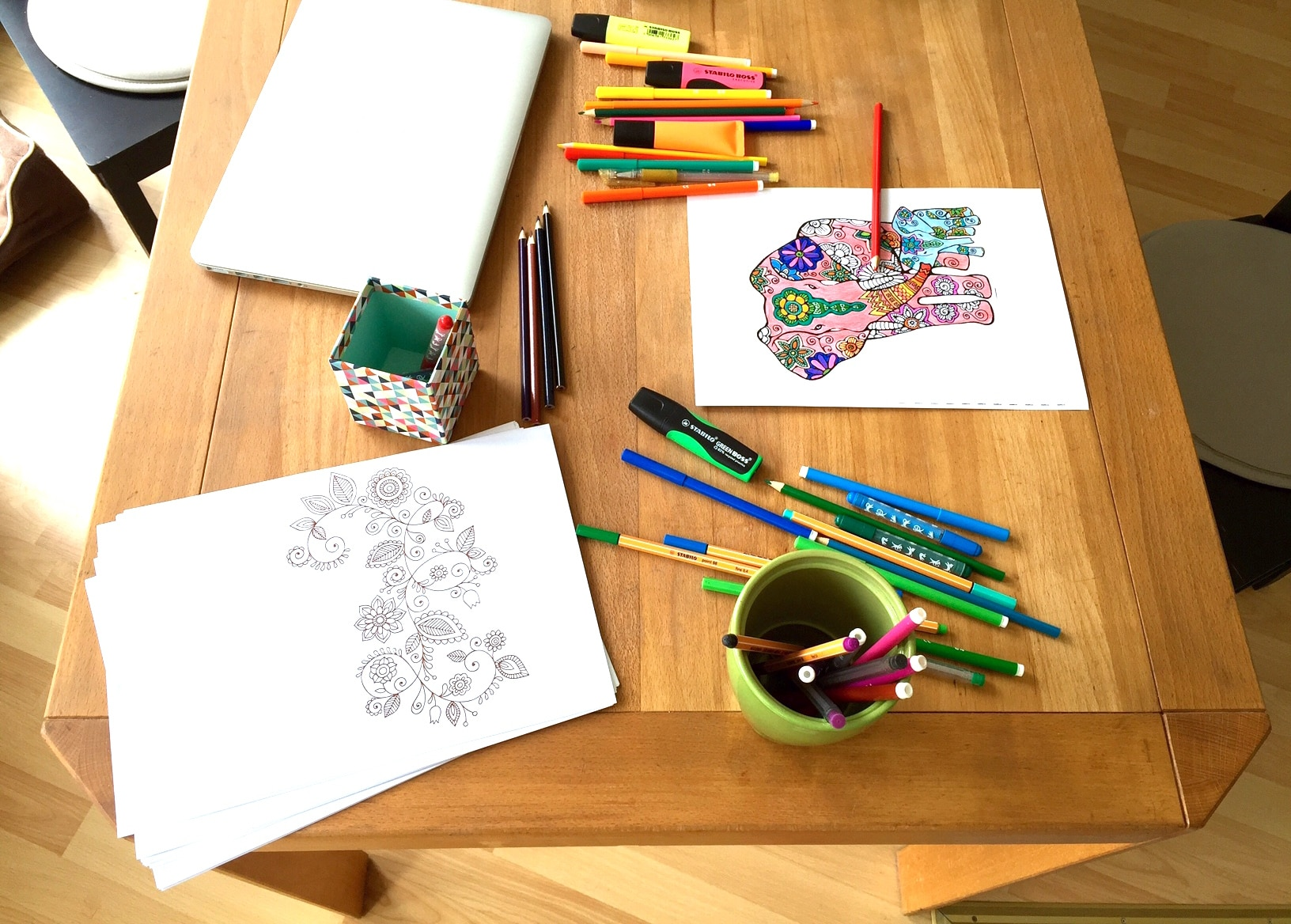 Mandala malen zum Stress abbauen