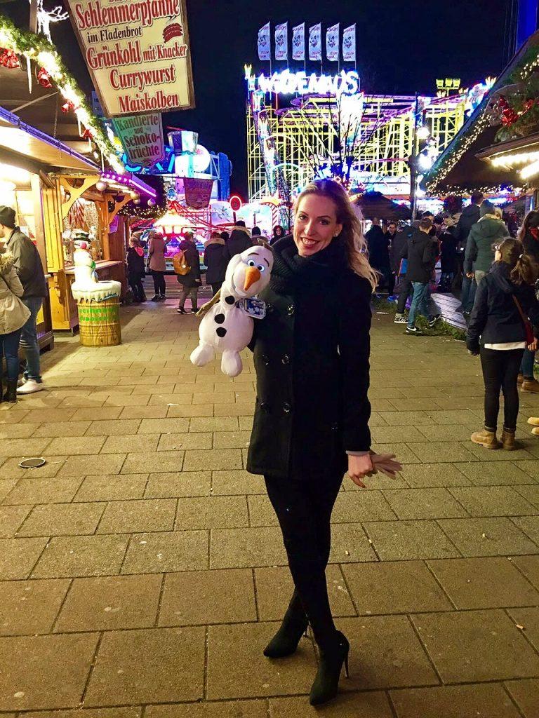 Happy Cathi und Olaf auf dem Weihnachtsmarkt