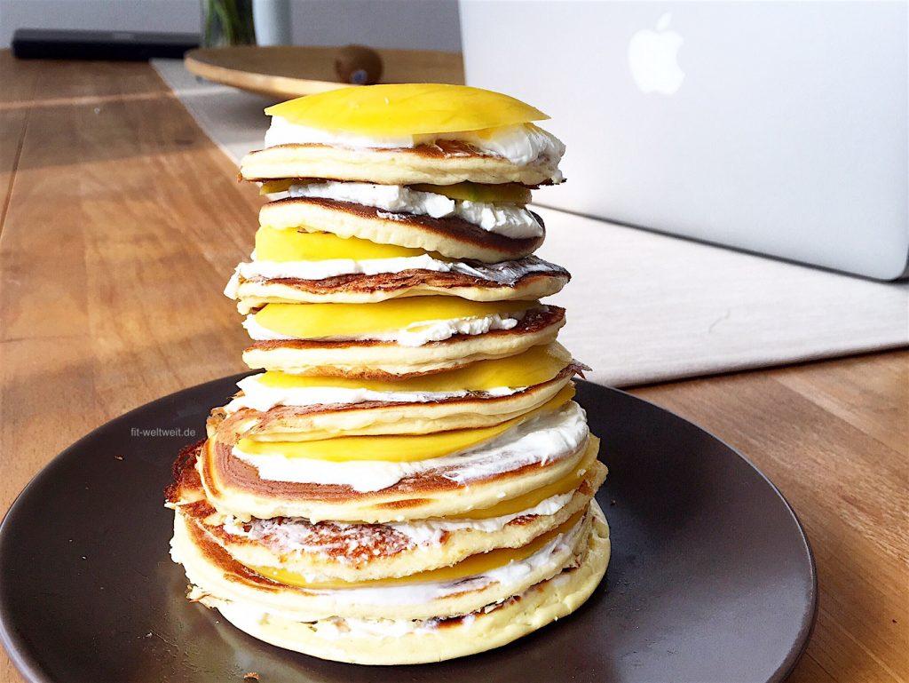Der fertige Protein Pancake Tower sieht dann so aus.