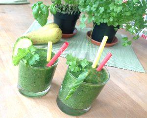 green-smoothie-gurke-spinat