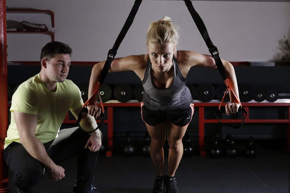 Muskelaufbau Fitnesstipps für #Frauen, die dichschnell zum Ziel bringen. Das richtige #Training. Dazu gibt es einen Trainingsplan mit den richtigen Übungen, Tipps zurWiederholung, derAnatomie, nützliche Supplements und die effektivste Ernährung - besonders für Frauen. #Muskelaufbau für Frauen mit #Trainingsplan für zuhause (Auch für Anfänger geeignet), Ernährungsplan (welches Essen). Alles auf dem Blog. #Muskelaufbau #Frau