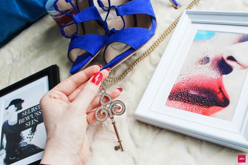 Der neue Hello Body Lip Balm Coco Rich (Lippenbalsam) und das HelloBody Lip Scrub Coco Rich (Lippen Peeling) Test, Anwendung und Erfahrung. Sunny Set
