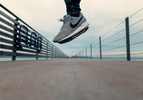 In deinem #Business erfolgreich sein,möchtest du das? Möchtest du das tatsächlich? Bevor du anfängst diesen Post zu lesen: Worin möchtest du #erfolgreich sein? Warum möchtest du erfolgreich sein? Möchtest du, dass sich die Mensch an dich (zurück) erinnern oder bist du mit (d)einem Durchschnittsleben zufrieden?5 #Erfolgstipps, die wir vom #Nike Gründer Phil Knight lernen können. #Bossbabe
