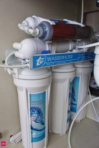 Umkehrosmoseanlage-Wasserfilter-Osmoseanlage-eingebaut