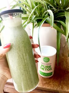 natural-mojo-daily-green-smoothie-detox