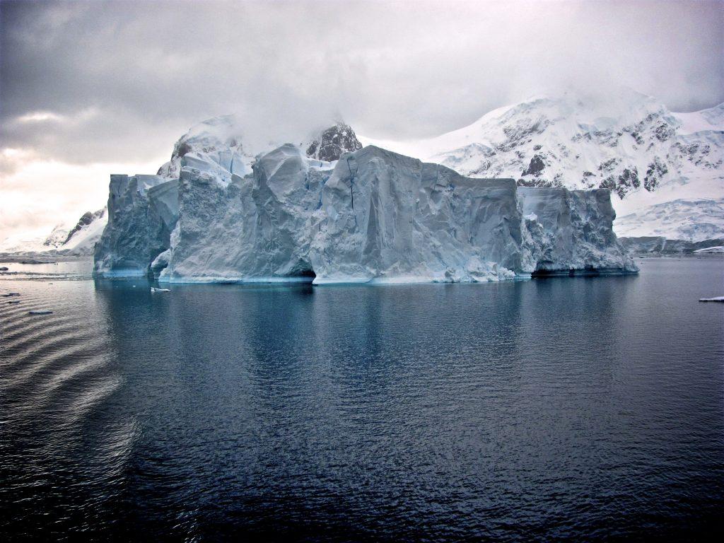 Das Eisbergmodell nach Sigmund Freud - Konflikte und Streit lösen (Beispiel & Erklärung)