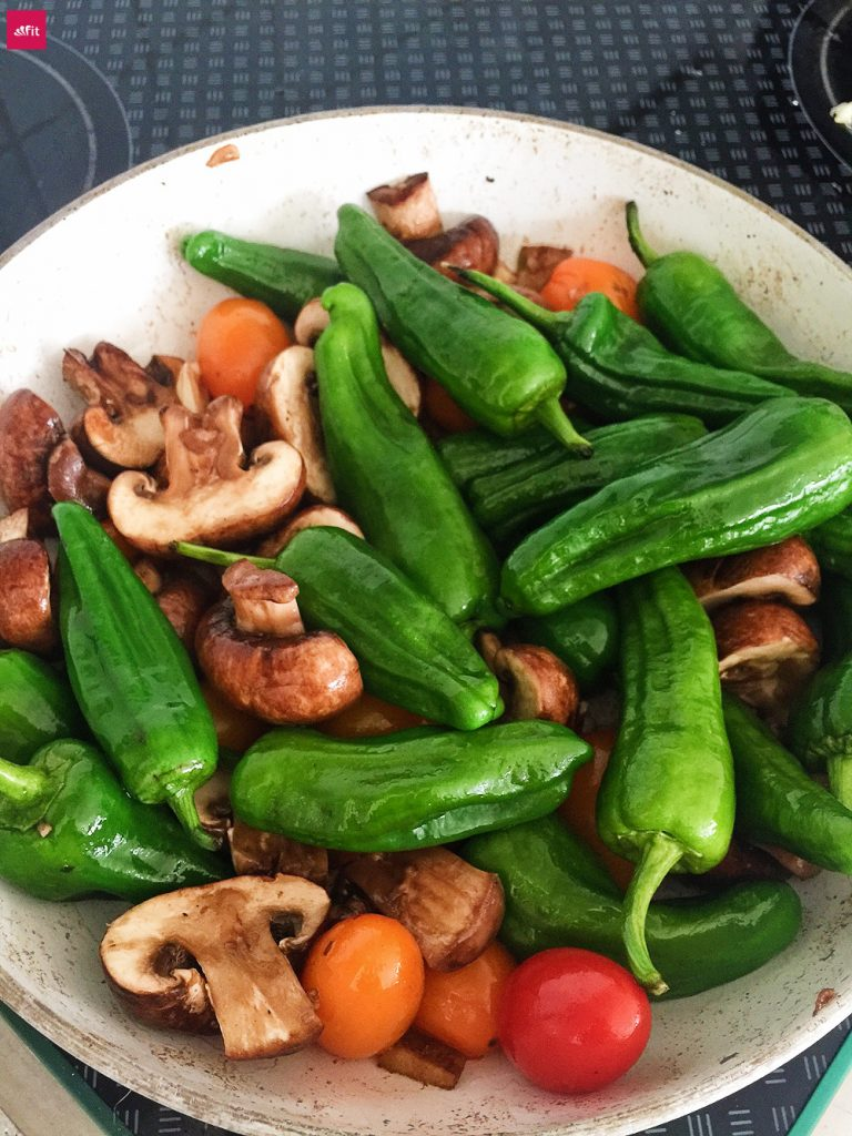 grillpaprika-zubereiten-spanisch-pfanne