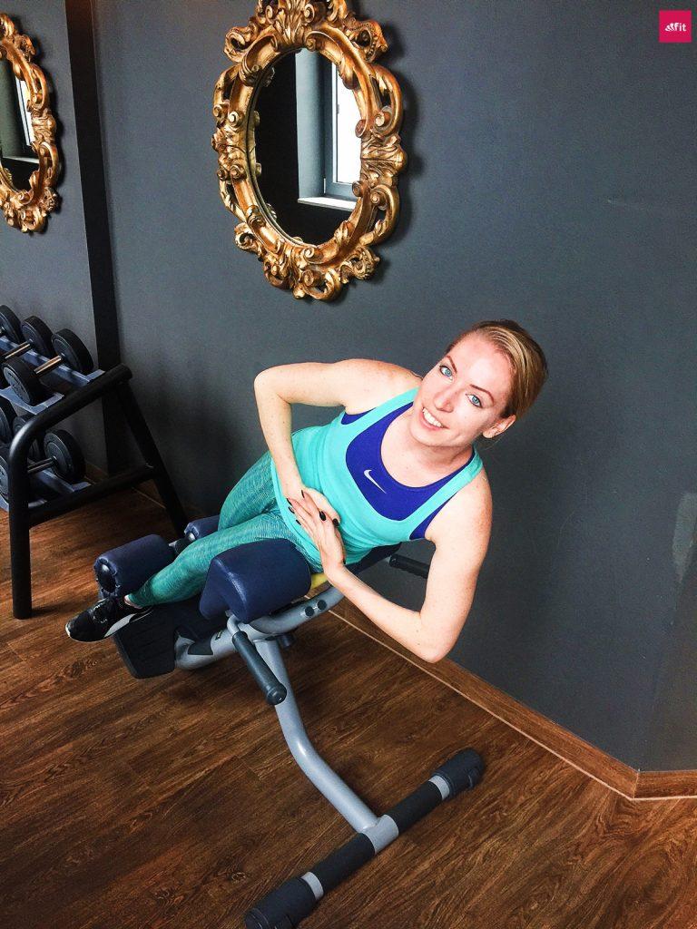 Fitness im Hotel - rumpfheben-hotel-unterwegs