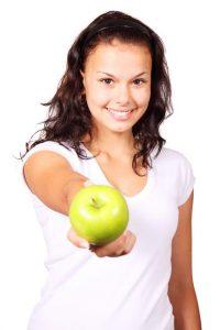 Gesunde Ernährung zum AbnehmenGewicht verlieren - was ist der schnellste & beste Weg? Am besten #Motivation, um schnell #Gewicht zu verlieren. Fitnesstipps und Ernährung, was du unbedingt beachten solltest. Ein Fitnesstrainer klärt auf, wie es richtig funktioniert. #Abnehmen Tipps und Tricks mit einem genauen Plan. Eine hilfreiche Anleitung auf deutsch mit den entscheidenen Schritten findest du hier. #Gewicht #schnell #gesund #abnehmen