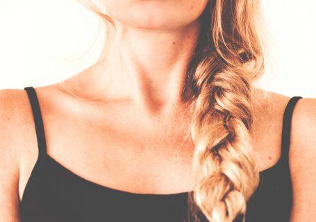 Erfahrung und Wirkung mit Kollagen, Ist Kollagen gut für die Haut, Haare und die Nägel? Wie nimmt man es zu sich? Creme oder als Getränk/trinken Haut Alterung und Zellalterung aufhalten oder verhindern. (Collagen Wirkung) Fans von #Collagen: Mit #Kollagen kannst du die wesentlichen Proteine auffüllen, das deinem Körper und deine #Haut lange glatt hält. Diese 3 Stars nehmen es ...