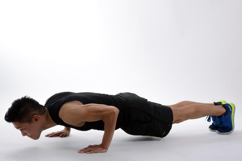 Die besten Fitnessgeräte für zuhause: Extrem effektiv und dennoch platzsparend, um Muskeln aufzubauen (Muskelaufbau) Fett abzubauen an Bauch, Beine und Po