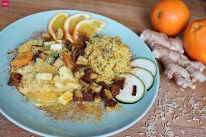 Orangen Curry Zutaten Rezept: Veganes Orangen Curry Rezept mit gebratenem Tofu, Ingwer, Valensina Orangen (glutenfrei, zuckerfrei, low Carb) leicht scharfe Soße, einfache Zubereitung, orientalische Gewürze