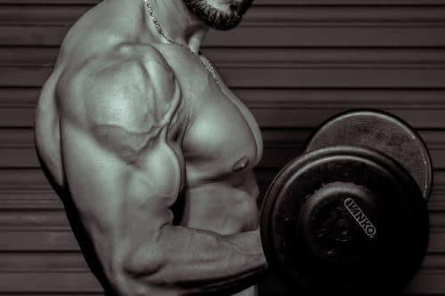 Was denkt ein Mann im Fitnessstudio: Kennst du die Situation? Du bist im #Fitnessstudio und trainierst. Und natürlich ist das andere Geschlecht auch vertreten. Doch was denkt ein #Mann, wenn er trainiert? Was denkt er über dich? Oder wenn er dich sieht, dir seine Hilfe anbietet? Wie könntest du ihn besser #verstehen. Womit könntest du ihn beeindrucken, ihn ansprechen und was kommt als #Frau bei ihm garnicht gut an? #Gedanken #Mann #Männer #Gedanken #Fitnesstraining #Trainingsplan