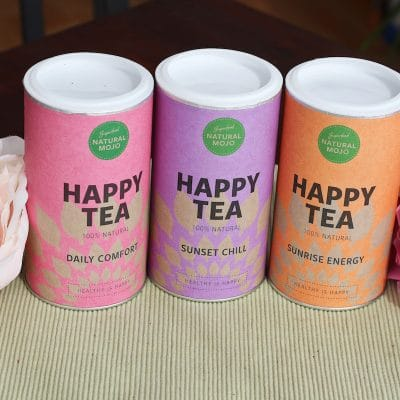"Happy Tea Natural Mojo Erfahrung Rabatt Set. Natural Mojo Rabattcode 20% ""fitweltweit20"" (Werbung) Erfahrung ALLER Produkte: Daily Greens, Fit Shakes, Superfoods und Weight Loss Shakes. Sunset Chile, Sunrise Energy, Daily Comfort"