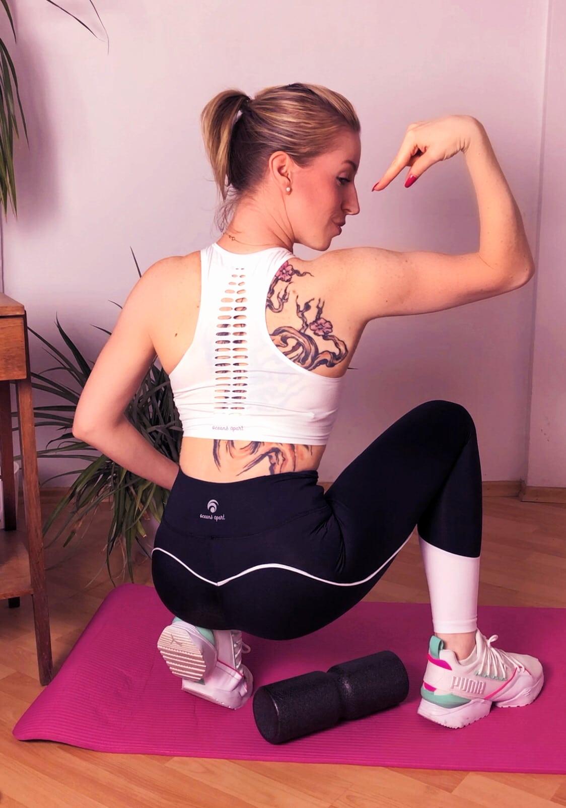 """#RÜCKENSCHMERZEN #ÜBUNGEN #ZUHAUSE Ganz nach dem Titel des neuen Liebscher & Bracht Buches """"Deutschland hat Rücken"""" (geiler Titel, der den Nagel mal wieder auf den Kopf trifft) gibt es ab heute für dich die 7 Tage Rückenchallenge, mit dessen Übungen du schon in wenigen Tagen deine Rückenschmerzen los sein kannst. Die Rückenschmerzen Übungen kannst du einfach zuhause ausführen und ich gespannt, wohin uns diese sinnvolle Bewegung führen wird."""