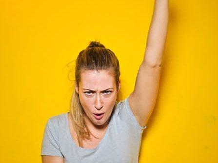 #ERFOLG #GEWOHNHEITEN #SELBSTBEWUSSTSEIN #ZIELE Power lautet heute unser Stichwort: Gewohnheiten erfolgreicher Frauen. Welche Eigenschaften benötigt es, erfolgreich zu sein und vor allem als Frau? Dass du die Ziele erreichst, die du dir steckst. Dass du deine Wünsche in die Realität umsetzt und dass du dir einfach das holst, was du dir verdient hast. Welche Gewohnheiten leben erfolgreiche Frauen, die dir evtl. noch fehlen, um wie zu wachsen? Alle Tipps findest du auf dem Blog