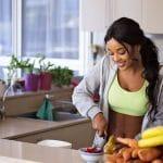 Der Grund, warum Diäten nicht funktionieren (Tipps & Aufklärung von Modediäten) Ich bin Fitness Tranerin und Ernährungsberaterin und kläre Lügen auf, Lösung, warum Diäten nicht funktionieren und wie du zu dem 1% gehören kannst, bei denen das Abnehmen klappt. Nicht schnell abnehmen, aber dauerhaft Schluss mit dem #Jojoeffekt und der #Diät Lüge #Diät #abnehmen Diätfrust, Diät funktioniert nicht mehr #Gesundheit