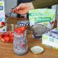#Erdbeeren #Erdbeere #Kinder #Rezept #Sommer #Pudding #vegan #mealprep #kokos Veganer Kokos-Chia-Pudding mit Erdbeeren (Meal Prep: 1 Minute Zubereitung). Das perfekte Sommer Rezept, denn diesen leckeren Pudding kannstauch kalt essen. Erist vegan, eignet sich perfekt für Büro,Schule oder Kindergarten, ist clean und zuckerfrei. Mega Vorteil: in 1 Minute fertigzubereitet. Das perfekte Meal Prep.Bei meiner Taktik steht neben dem Geschmack auch die Zeitersparnis im Vordergrund.