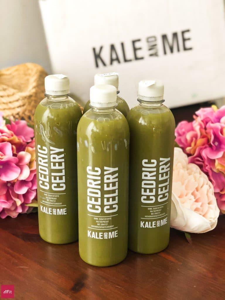 """#SAFTKUR #SÄFTE Deine #Morgenroutine mit #Sellerie #Saft und Ingwer Shots: Trinke für 14 Tage jeden Morgen eine Flasche des Kale & Me Selleriesaftes Cedric Celery (500ml) auf nüchternen Magen, warte mindestens 30 Minuten und trinke dann eine Flasche des #Ingwer Shots Ginny Ginger (100ml) zu Deinem #Frühstück. Ernähre Dich über den Tag mit einer abwechslungsreichen und ausgewogenen #Ernährung und verfolge eine gesunde Lebensweise. 2 Säfte/Shots gratis mit dem Code """"fitweltweit4you"""" (Werbung)"""