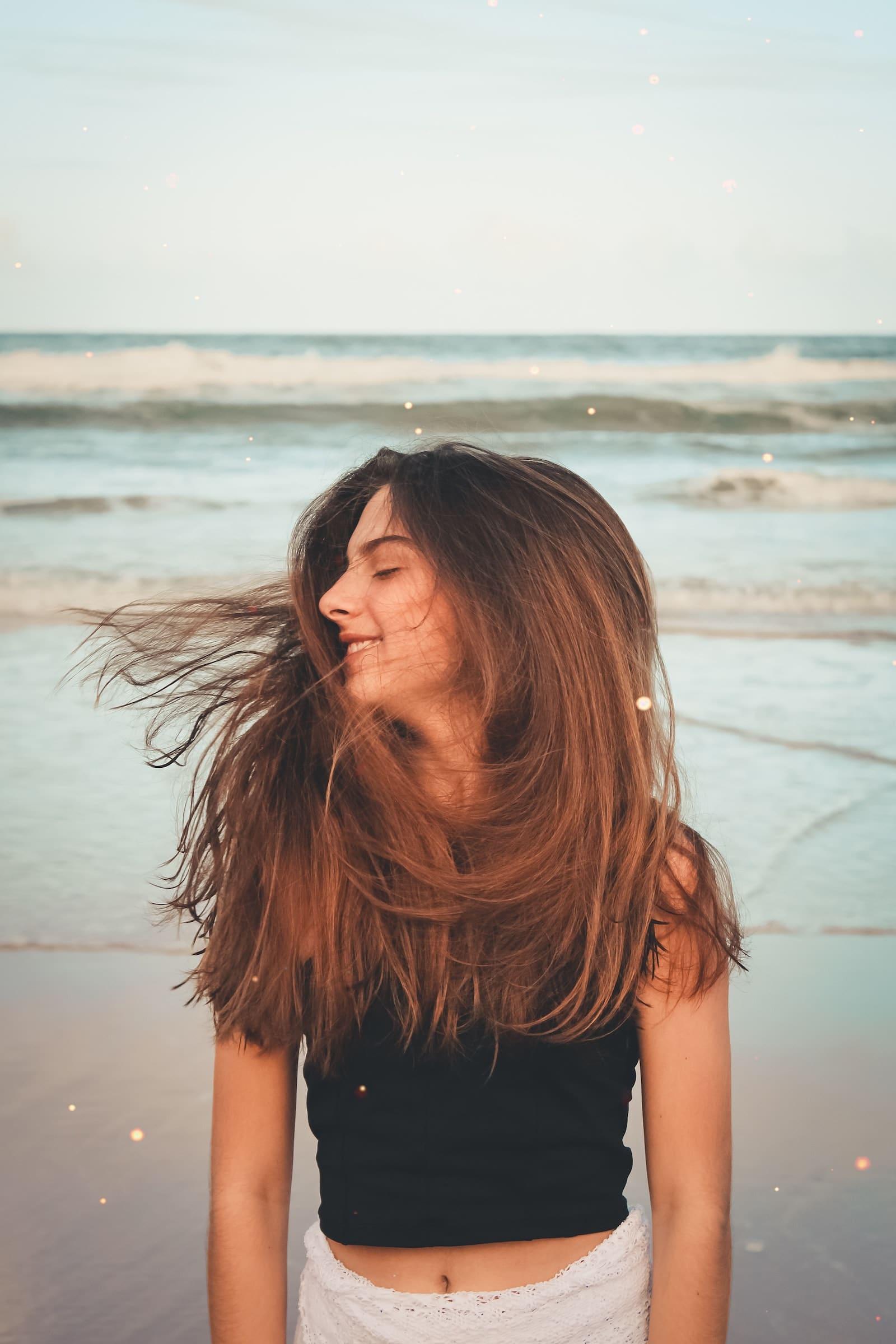 """MERMAID+ME ERFAHRUNGEN CLEAR CITRUS VEGANE #HAARMASKE // #HAARE #HAARPFLEGE #LANGEHAARE #HAARKUREN und #HAARMASKEN von MERMAID + ME Möchtest du lange, glänzende und starke Haare ? Hast du Schuppen und schnell fettende Haare? Fettige Haare vorbeuge und loswerden ? Schuppige Kopfhaut? Ich habe die Wirkung der Haarmasken von Mermaid and Me getestet. Mermaid+Me Erfahrung auf dem Blog. 25% - 45% Rabatt mit dem Gutscheincode """"CATHI25"""" auf den gesamten Shop von Mermaid + Me, alle #Masken. (Werbung)"""