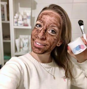 coco clear mud Mask Moormaske Anwendung brennt: Ich trage die Maske eher dünn auf und dafür 2-3 mal die Woche.