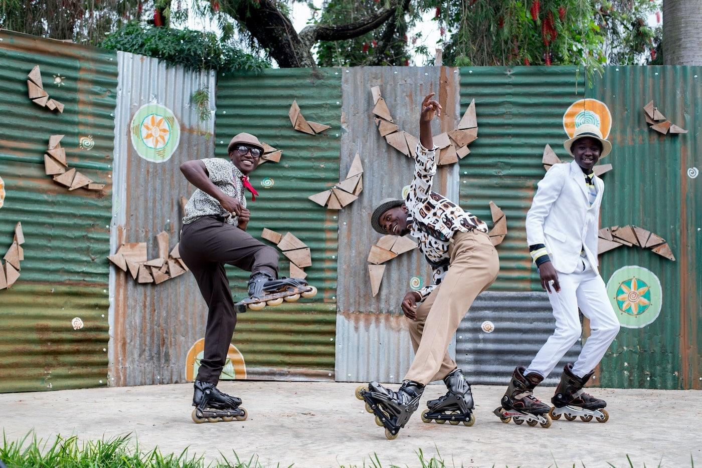 Inline Skaten Sport iom Sommer mit Spaß abnehmen