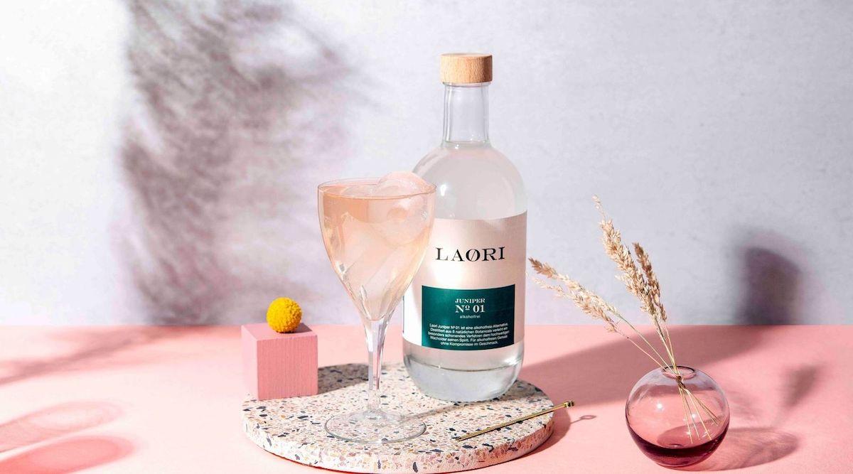 LAORIS GARDEN - ALKOHOLFREIER COCKTAIL MIT RHABARBER