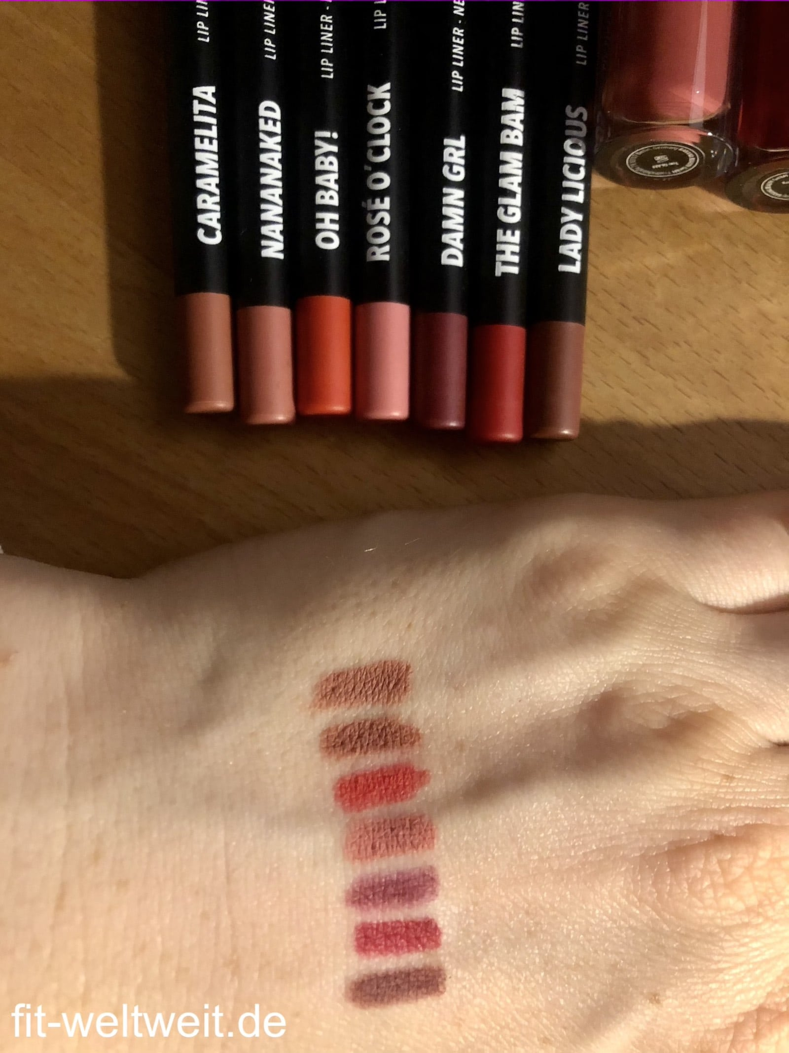 Banana Beauty Swatches Lip Liner Lippenkontourenstifte